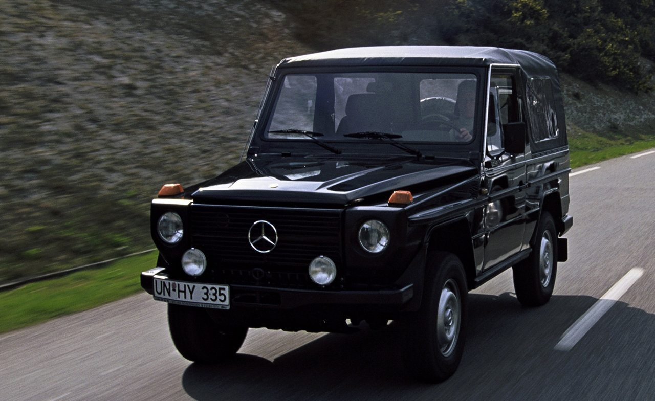 the road travelled history of the mercedes benz g wagen. Black Bedroom Furniture Sets. Home Design Ideas