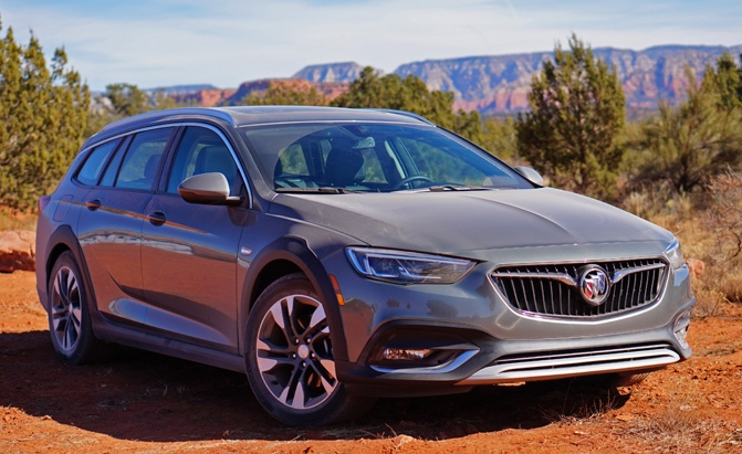 2018 Buick Regal TourX Review main