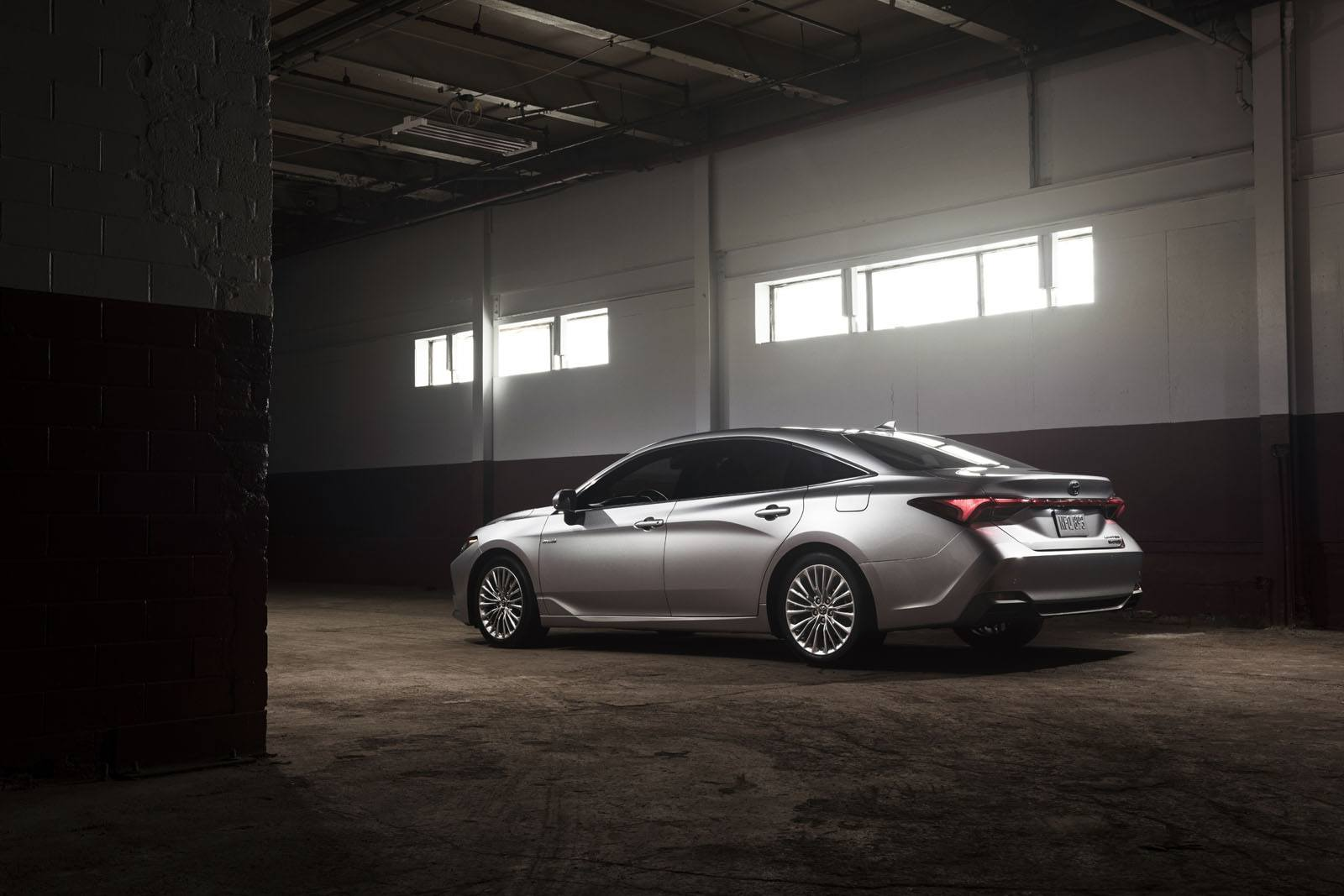 Brand New 2019 Toyota Avalon Debuts: 5 Things You Need To