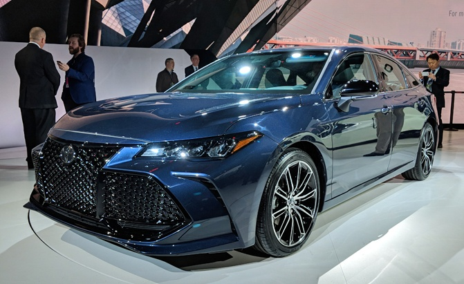 Brand New 2019 Toyota Avalon Debuts 5 Things You Need To Know 187 Autoguide Com News