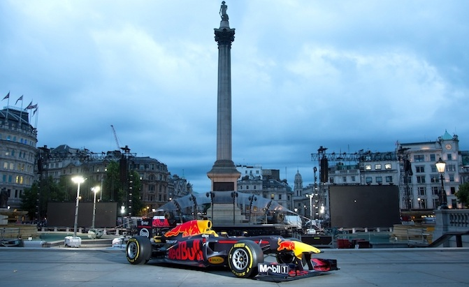 F1 Cars to Take to the Streets of Miami in 2018 for Live Demonstration » AutoGuide.com News