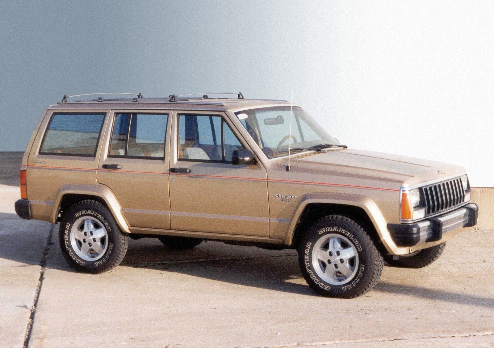 10 Interesting Facts From The History Of The Jeep Cherokee Autoguide Com News