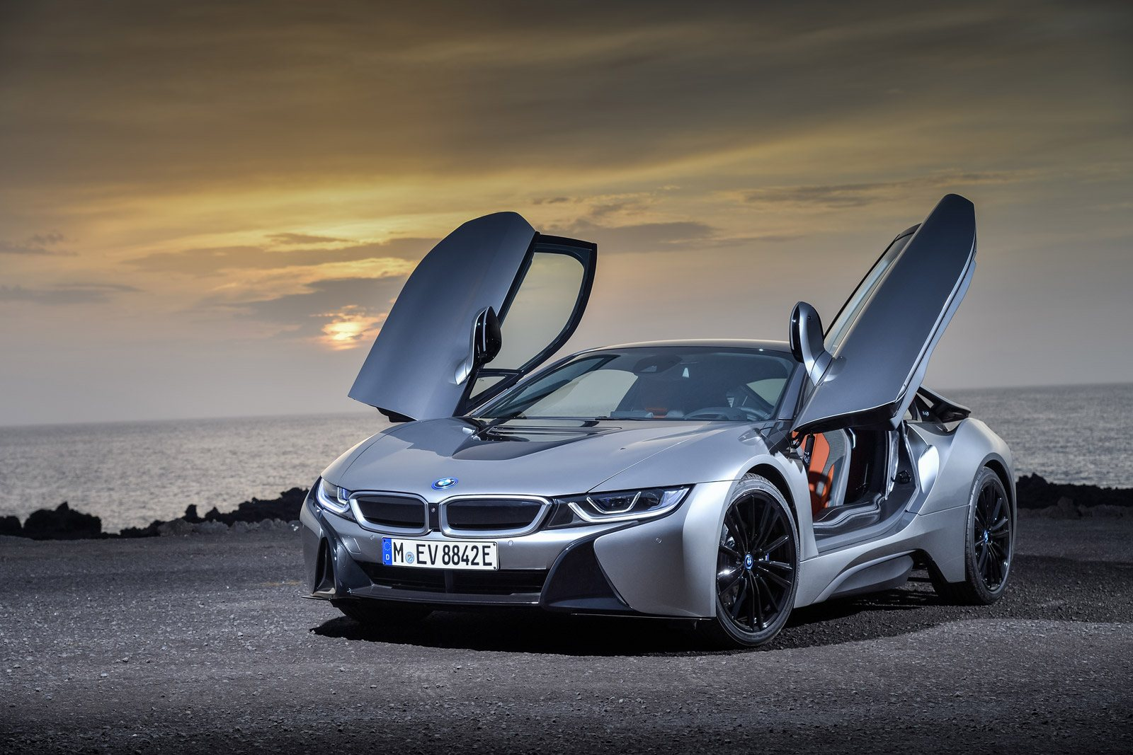It Isn T An M Model That S The Most Expensive Bmw To Crash But Rather I8 Hybrid Sports Coupe Claim Frequency Is 7 While Severity