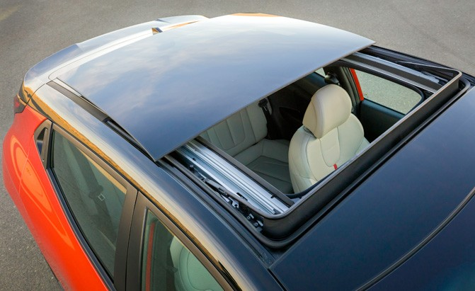 lawsuits for shattering sunroofs are moving forward news. Black Bedroom Furniture Sets. Home Design Ideas