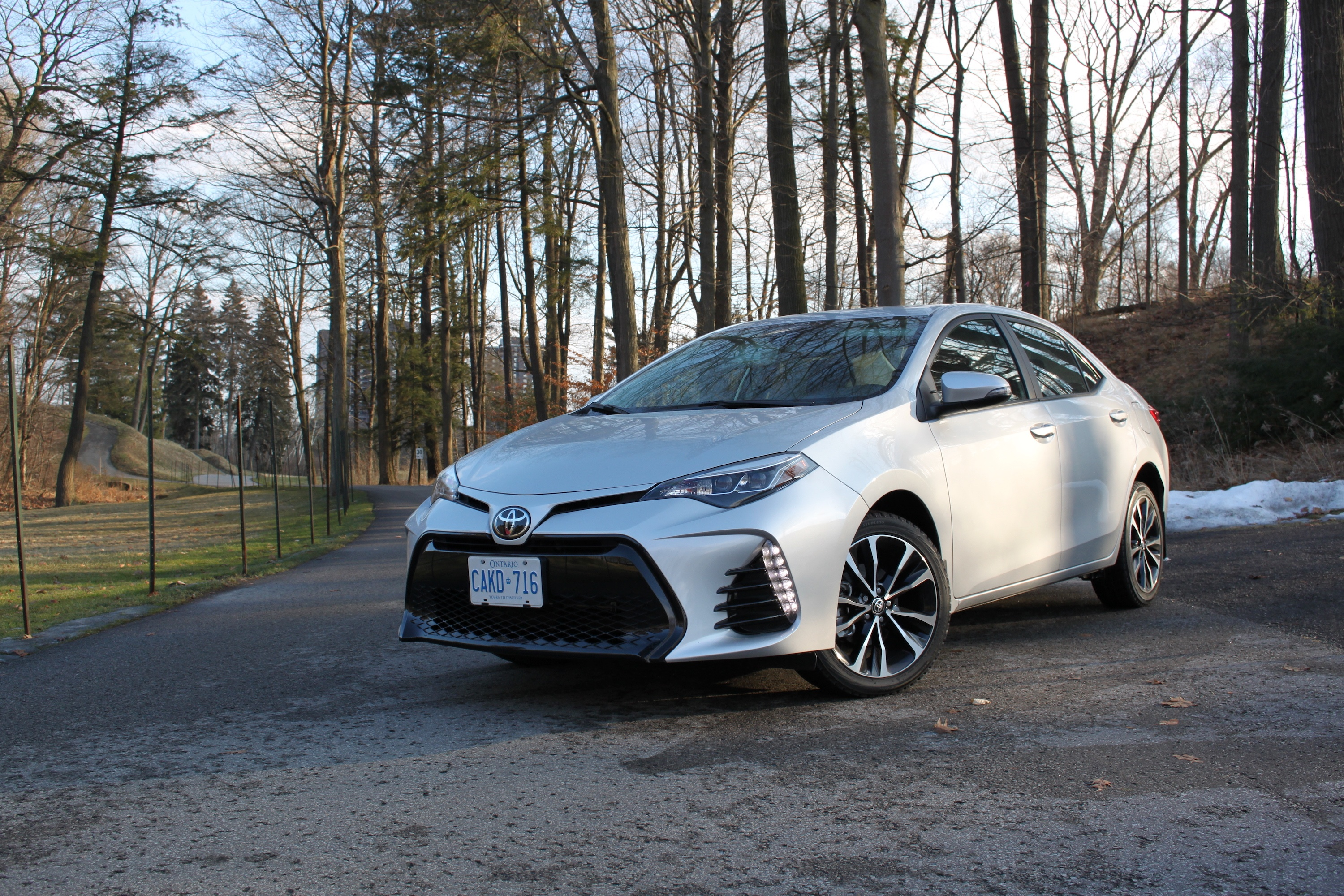 2018 toyota corolla review news. Black Bedroom Furniture Sets. Home Design Ideas