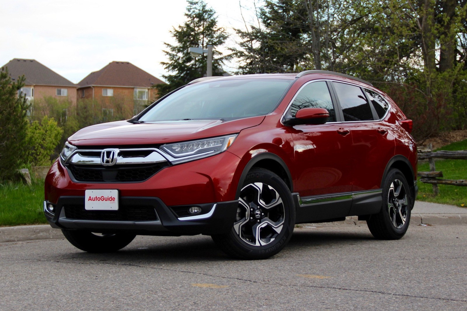 4 Crossover Comparison: 2018 Honda CR-V vs Nissan Rogue vs ...