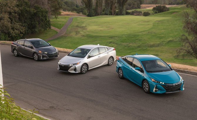 2019 toyota prius may wear prius prime inspired looks news. Black Bedroom Furniture Sets. Home Design Ideas