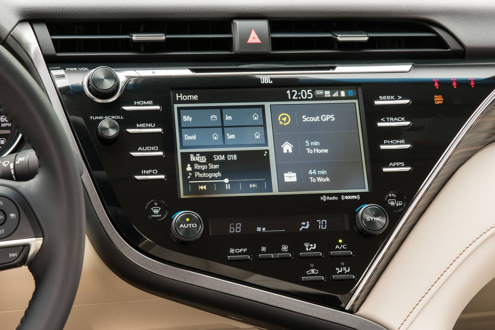 2018 Toyota Camry Hybrid Review-20