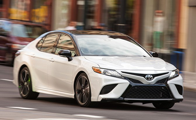 Camry Vs Corolla >> Toyota Camry Vs Corolla Which Sedan Is Right For You
