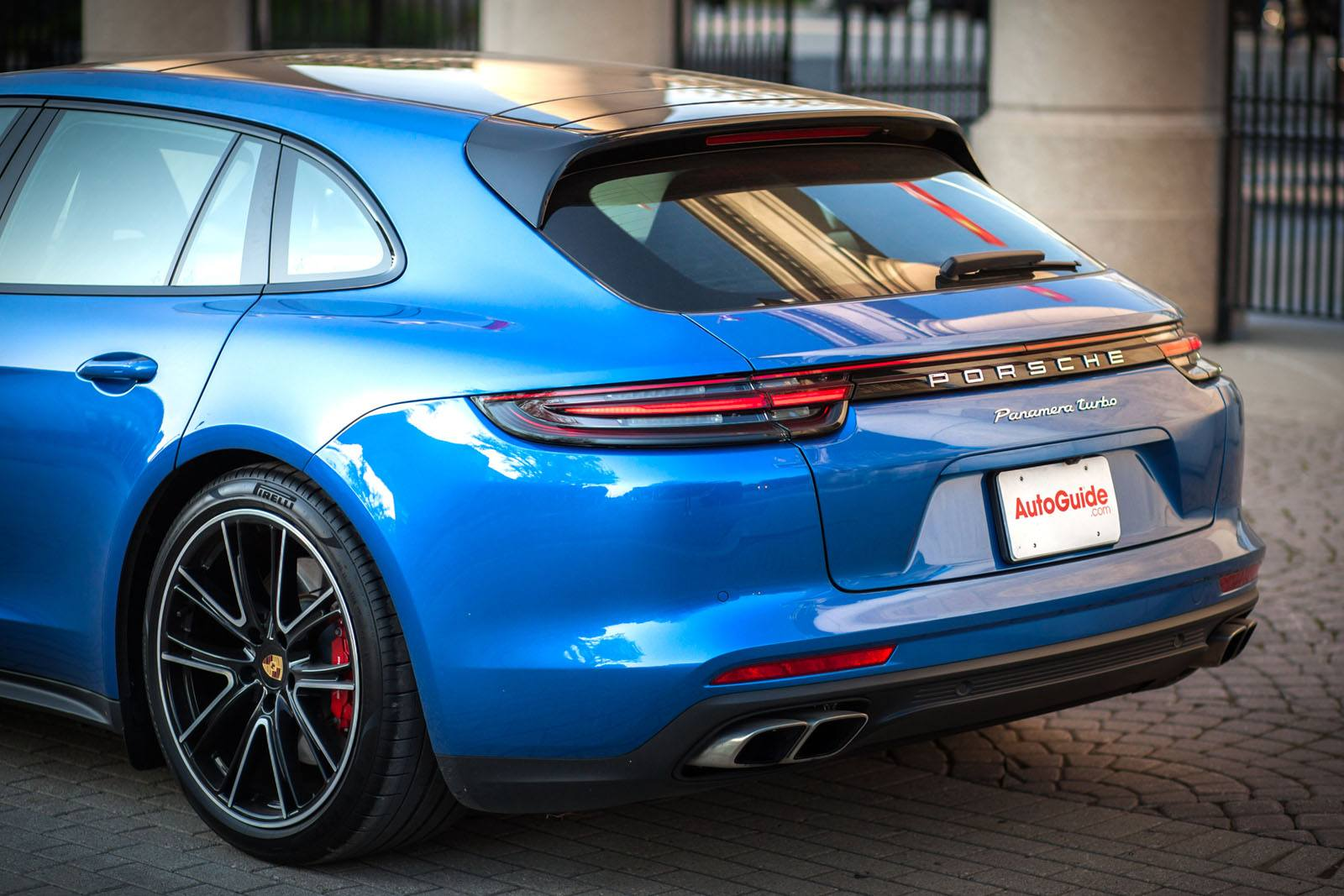 2018 Porsche Panamera Turbo Sport Turismo Review-53