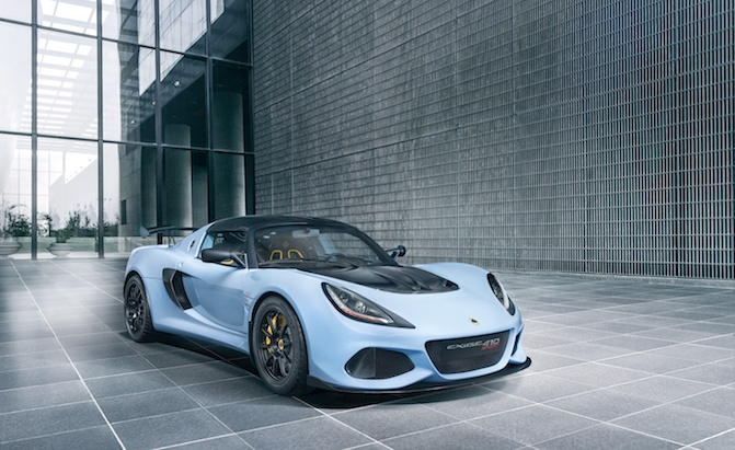 New Lotus Sports Cars, SUV Might be Built in China: Report