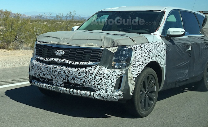 2020 Kia Telluride Shows Off Production Grille in Spy ...