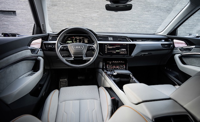 audi e tron prototype interior revealed and it s fancy news. Black Bedroom Furniture Sets. Home Design Ideas