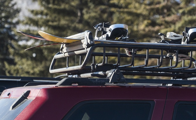 Top 10 Best Ski And Snowboard Racks For Cars 2020 Autoguide Com