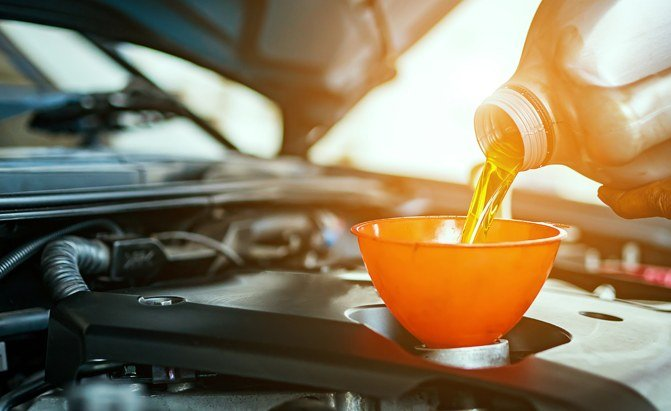 Top 10 Best Synthetic Oil Products You Can Buy - AutoGuide com