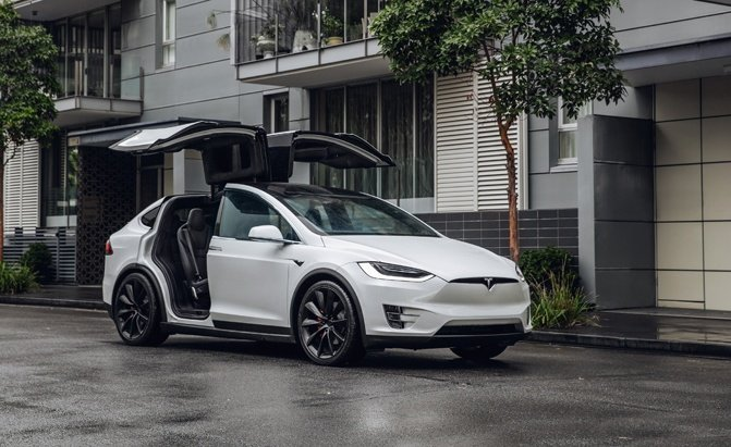 Tesla Model X Pros and Cons - Falcon Doors