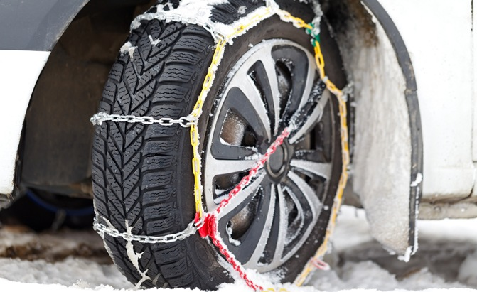 Buyer's Guide: The Best Tire Chains and How to Pick the Right Ones