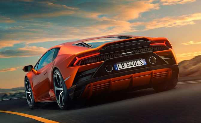 Lamborghini Huracan Evo Makes Taming 640 HP Easy