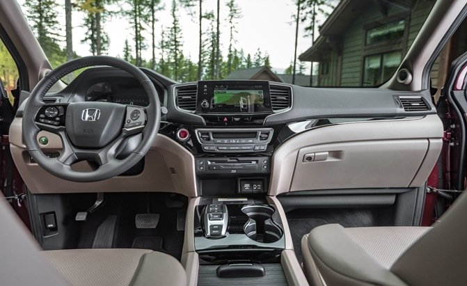 honda passport  pilot  honda suv suits  lifestyle  autoguidecom