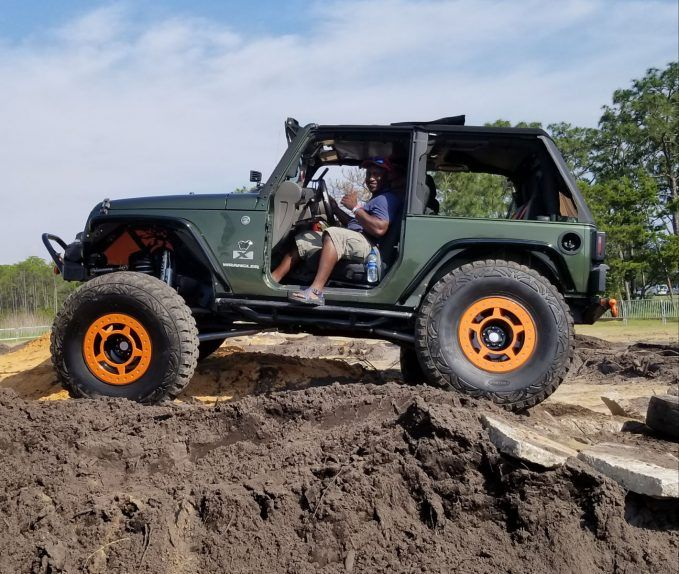 why thousands are going to jeep beach jam this year from may 14 18 news. Black Bedroom Furniture Sets. Home Design Ideas