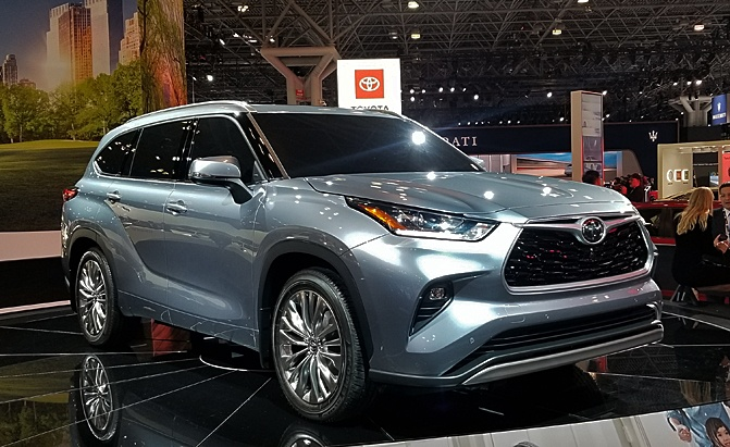New Generation 2020 Toyota Highlander Finally Debuts