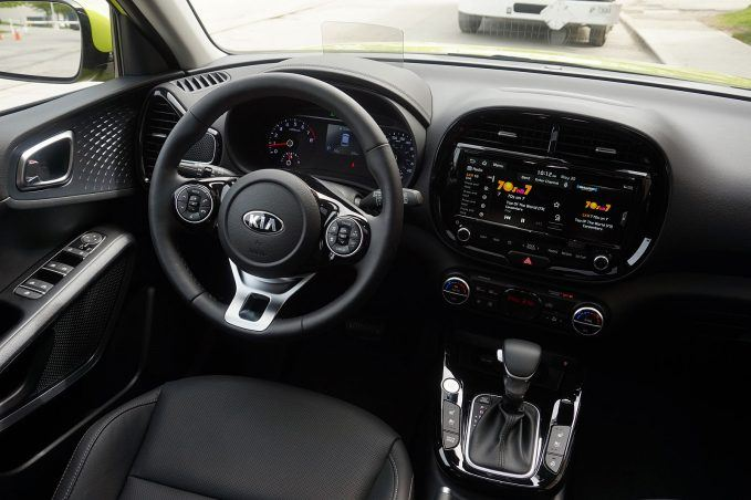 2020 Kia Soul Review-dashboard