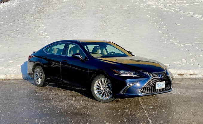 2020 Lexus ES 300h Review