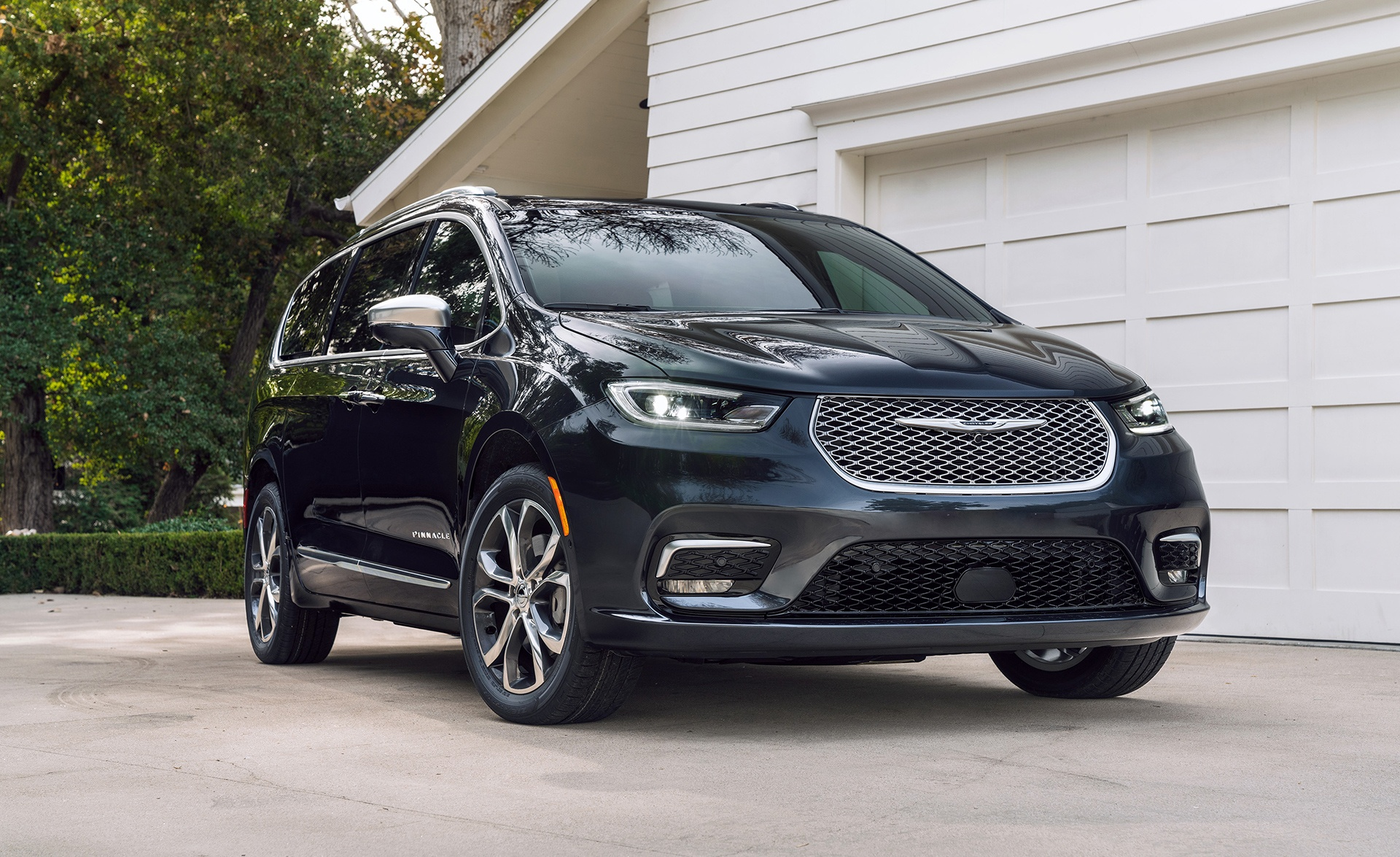 2021 Chrysler Pacifica Adds All-Wheel Drive, More ...