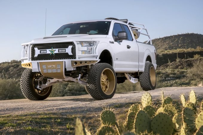 """The Atturo Trail Blade X/T is something entirely more versatile, with an open shoulder featuring large mud-terrain-style tread blocks and those aggressive """"knife blade"""" sidewall elements, coupled with the moderate, go-anywhere center tread blocks that are more characteristic of an all-terrain design."""