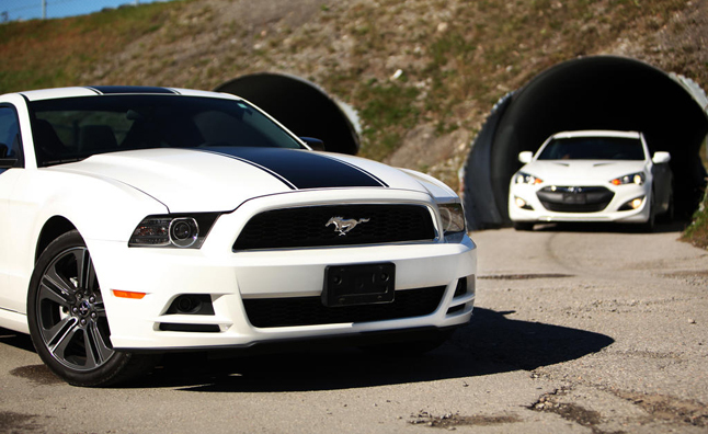 2013 Hyundai Genesis Coupe vs Ford Mustang Performance
