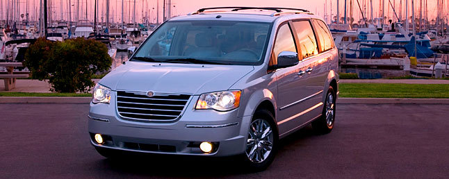 2010 Chrysler Town Country Review