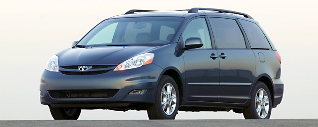 Toyota Sienna Review