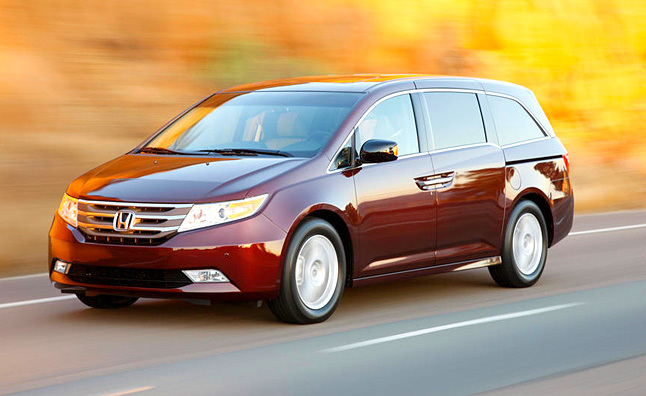 2011 Honda Odyssey Touring Elite Review [Video]