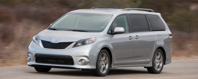 2011 Toyota Sienna SE Review