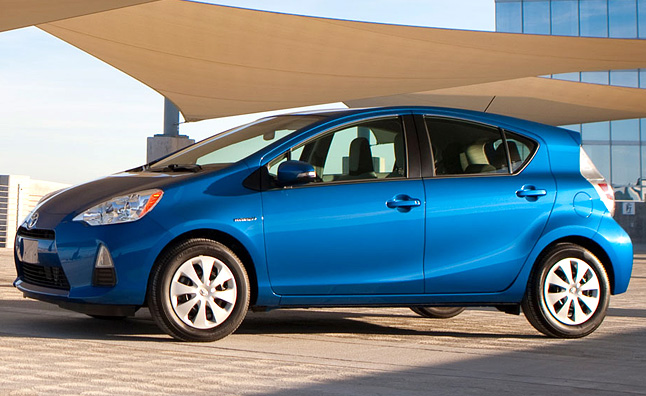 Captivating 2012 Toyota Prius C Review [Video]