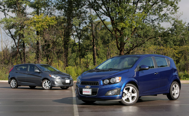 2013 chevrolet sonic vs 2013 hyundai accent comparison test car reviews. Black Bedroom Furniture Sets. Home Design Ideas