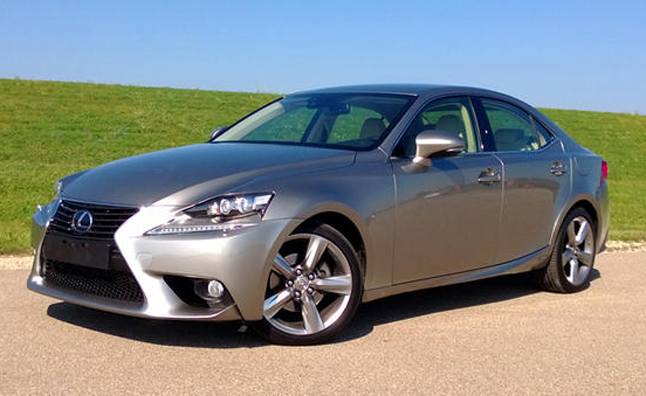 2017 Lexus Is 300h Review