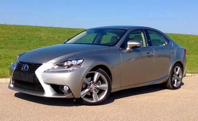 2014 lexus is 300h review car reviews. Black Bedroom Furniture Sets. Home Design Ideas