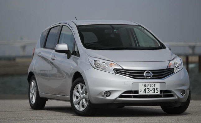 2013 nissan versa hatchback review car reviews. Black Bedroom Furniture Sets. Home Design Ideas